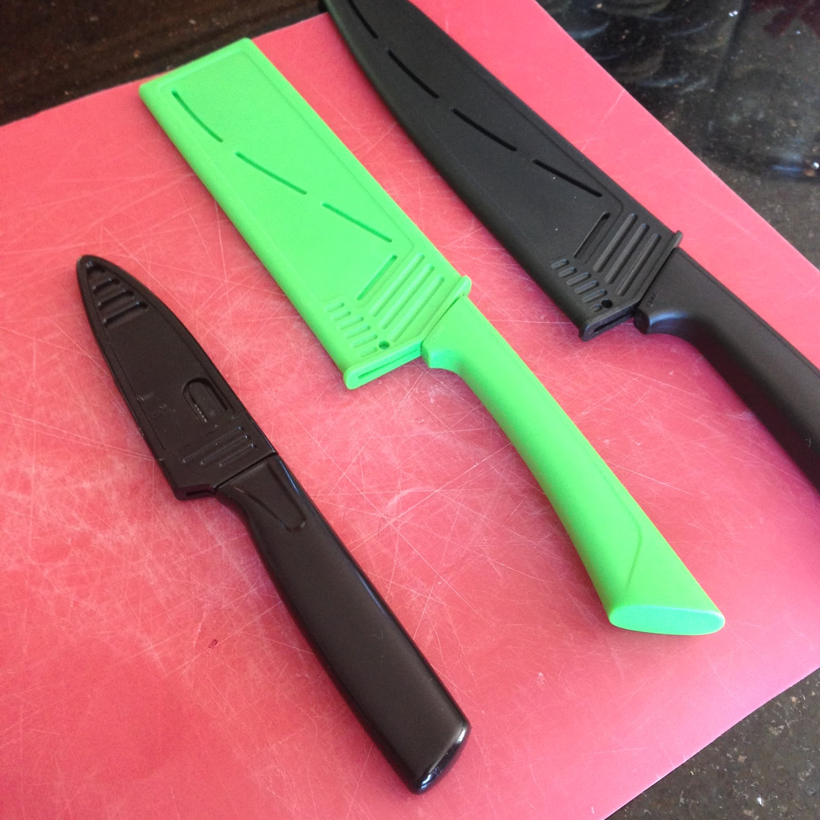 This Weeks Must Have In The Kitchen…..Ceramic Knives